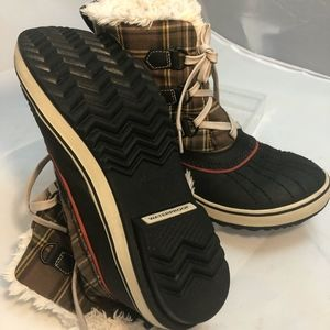 Sorel Tivoli Plaid Short Snow Boots Lace Up Winter